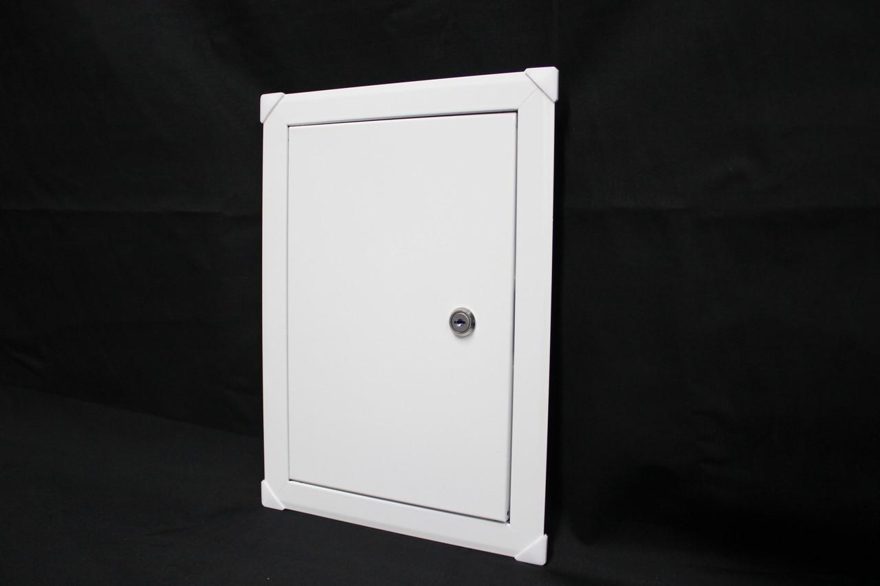 Люк-дверца ревизионная металлическая с замком 150х150