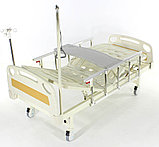Медицинская кровать Med-Mos Е-8 MM-18ПЛН (2 функции) с полкой и столиком, фото 5