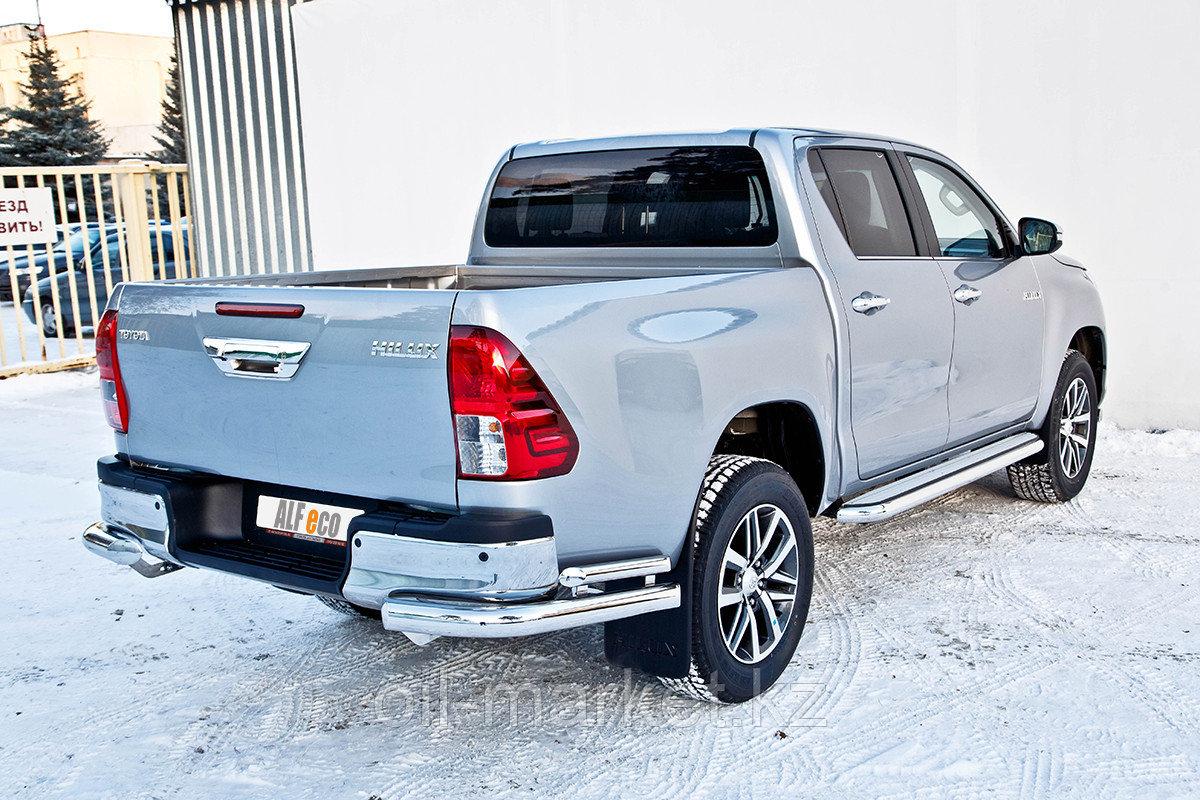 Защита заднего бампера, уголки двойные для Toyota Hilux ( 2015-2018)