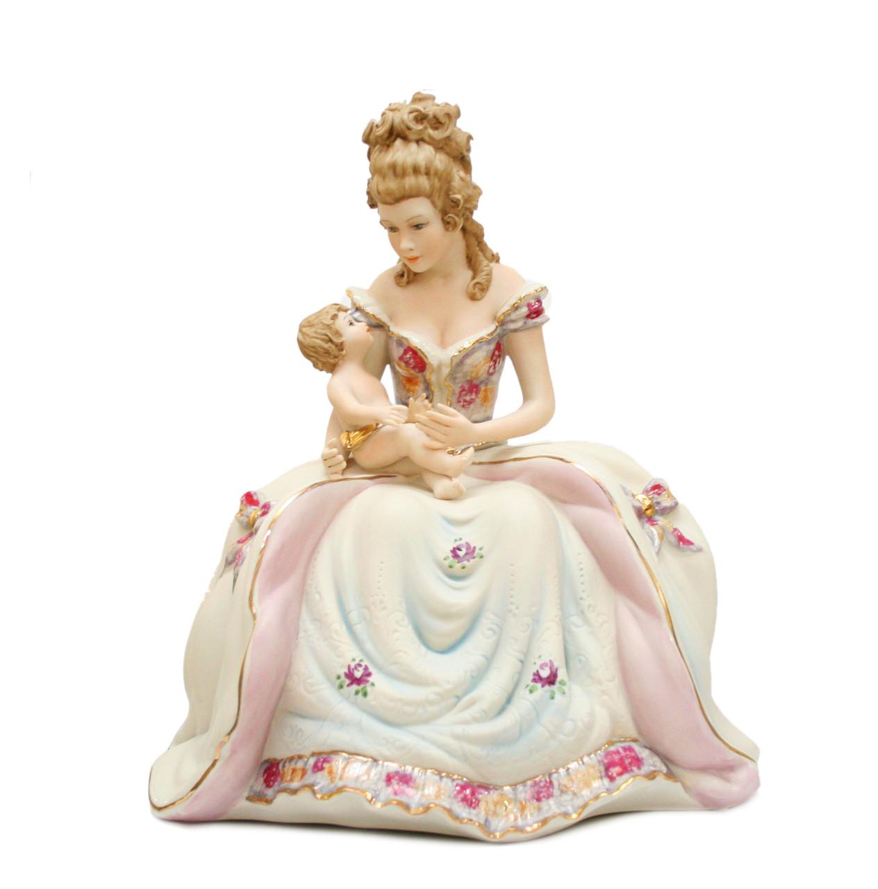 Фарфоровая статуэтка Материнство. Италия, ручная работа