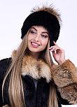 Женская зимняя шапка черная с бубоном из меах енота, фото 3