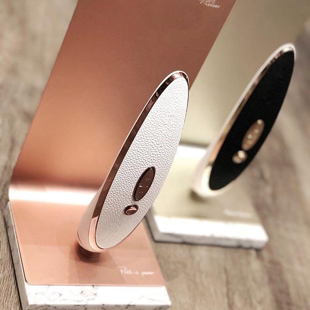 """Вакуумный стимулятор клитора с вибрацией """"Luxury Prêt-à-porter""""от Satisfyer"""