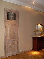 Двери деревянные с фрамугой
