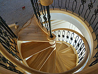 Деревянная лестница изготовление