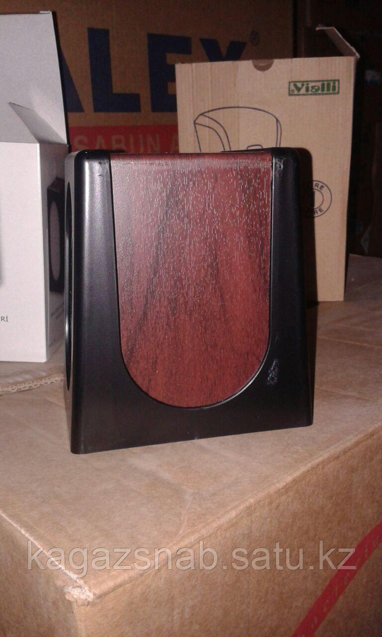 Диспенсер для салфеток настольный (0680 черный с деревом) - фото 3