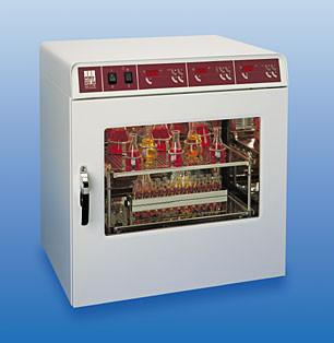 Шейкер-инкубатор GFL 3032 (10-250 об/мин, V=45 л, 2-уровневый) орбитальный, однодверный, без приставок