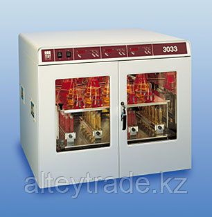 Шейкер-инкубатор GFL 3033(10-250 об/мин, V=150 л, 2-уровневый) орбитальный, двухдверный, без приставок