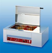 Встряхивающая водяная баня GFL 1086 (10-250 об/мин, Т до.+ 99,9 ±0,1°С, V=20 л, камера 450х300х160 мм) без приставок