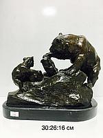 """Бронзовая статуэтка """"Медвежонок с медведицей """""""