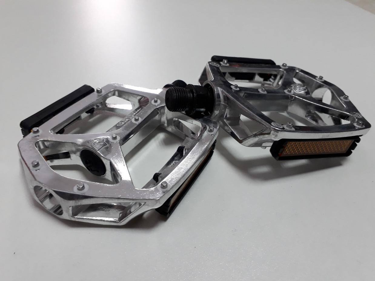 Классные педали металлические Wellgo на подшипниках