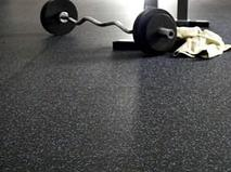Преимущества резинового покрытия для спортзала