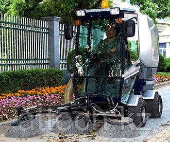 Вакуумная подметально-уборочная машина Mingnuo MN-F2000