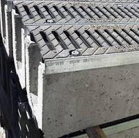 Лоток бетонный с чугунной решеткой 16,5х16,5 см 1 м, фото 1
