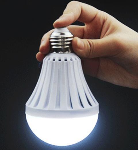 Светодиодная лампа с аккумулятором