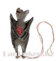 Летучая мышь на веревке муляж 18 см Декорация для хэллоуина