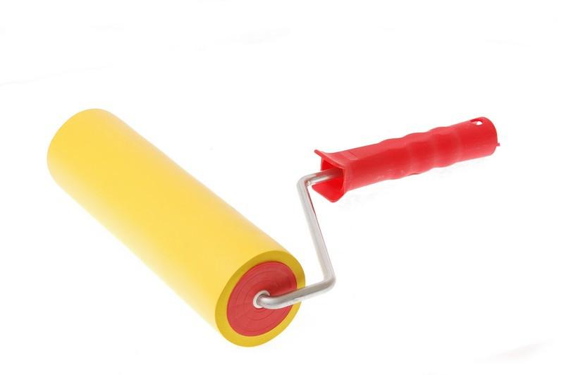 Валик  резиновый с ручкой 180 мм