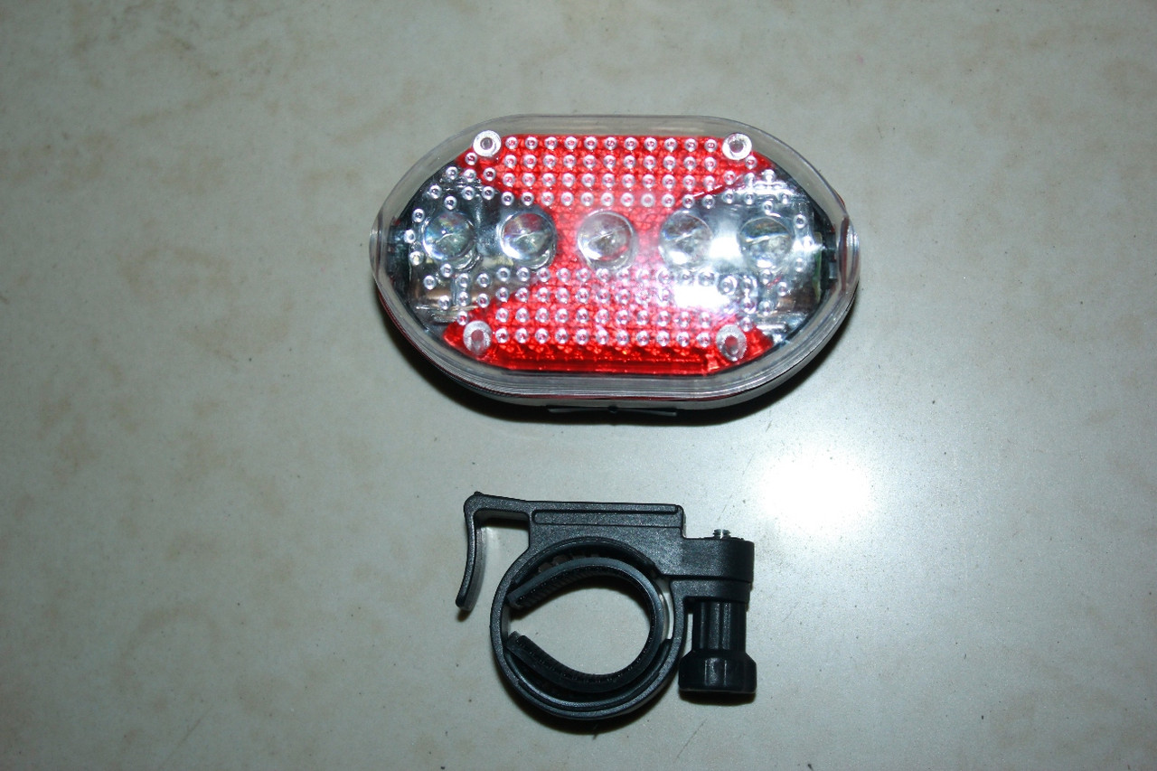 Задний фонарь на батарейках