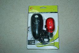 Набор фонариков - передний и задний на батарейках.