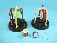 Прибор для демонстрации возникновения электродвижущей силы в магнитном поле