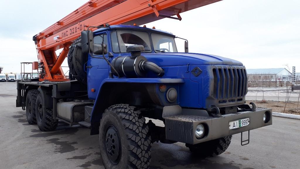 Автогидроподъемник шасси Урал