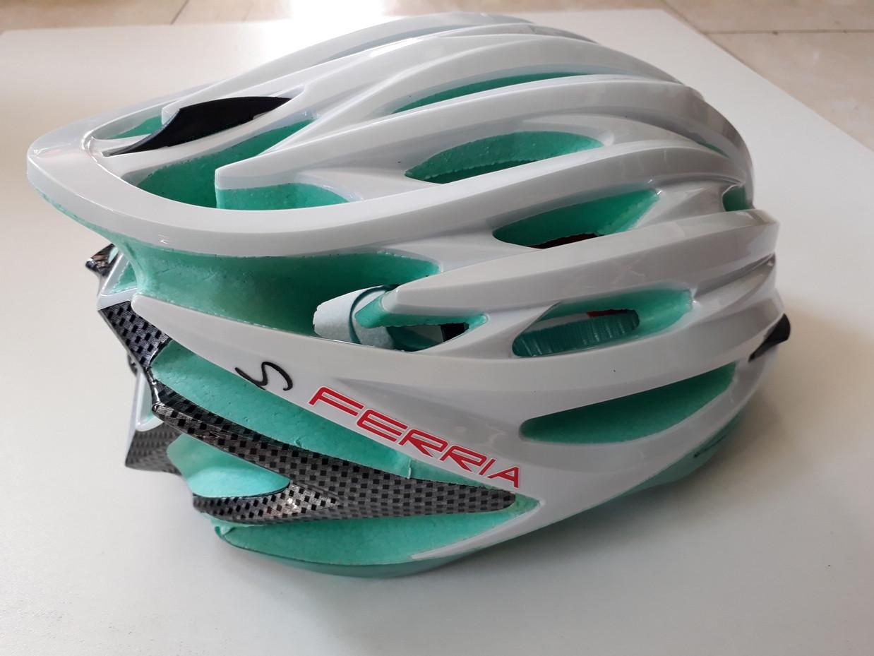 Велосипедный шлем Ferria