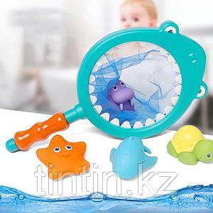 Набор резиновых игрушек с сачком для купания