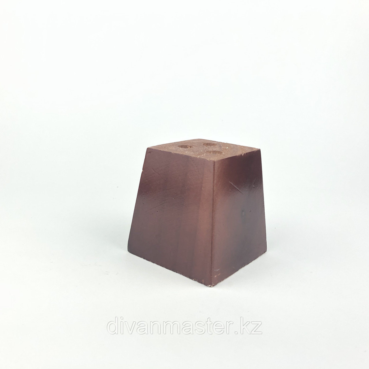 Ножка мебельная, деревянная. 8 см