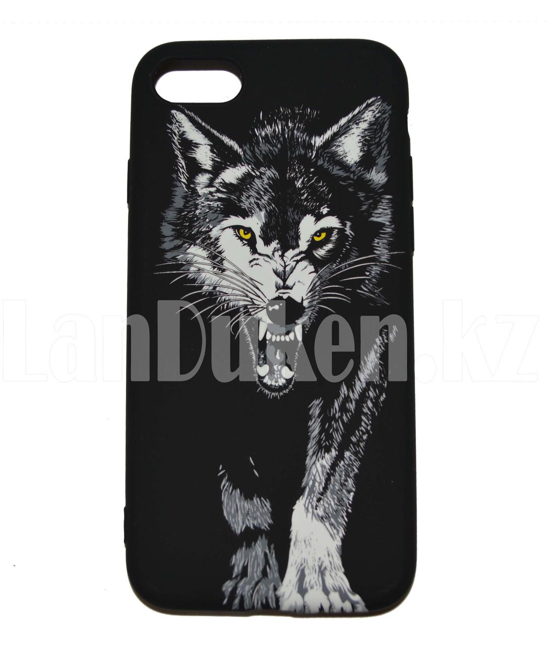 Чехол на Айфон 7 (iPhone 7) Luxo силиконовый матовый принт волк с оскалом желтые глаза - фото 1