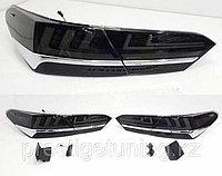 Задние фонари с хромом на Camry 70 2018- стиль Lexus Черный оттенок, фото 1