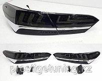 Задние фонари с хромом на Camry 70 2018- стиль Lexus Черный