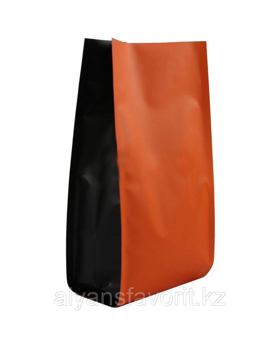 Пакет металлизированный пятишовный с пропаянными гранями оранжевый матовый с черными боковыми фальцами