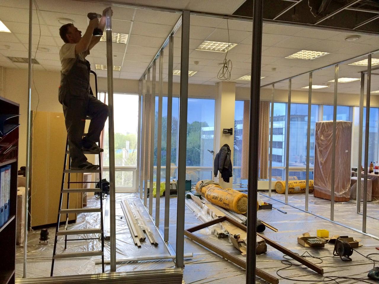 Установка стеклянных душевых кабин, офисных перегородок - фото 2