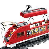 Конструктор LELE Cities Красный пассажирский поезд 28032 (Аналог LEGO City 7938) 763 дет, фото 6