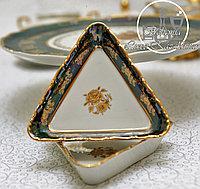 Фарфоровый розетник (треугольный) из серии «Золотая роза/Зеленая»