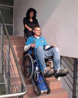 Подъемник лестничный, гусеничный для инвалидов, электрический, складной