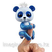 Фингерлингс панда интерактивная Fingerlings сине-белая