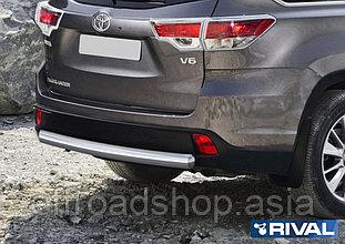 Защита заднего бампера 75x42 овал Toyota Highlander, 2017-