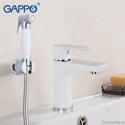 Смеситель на умывальник с гигиеническим душем Gappo 1048-1