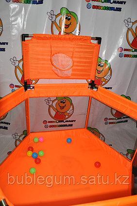 Игровой манеж с баскетбольным кольцом