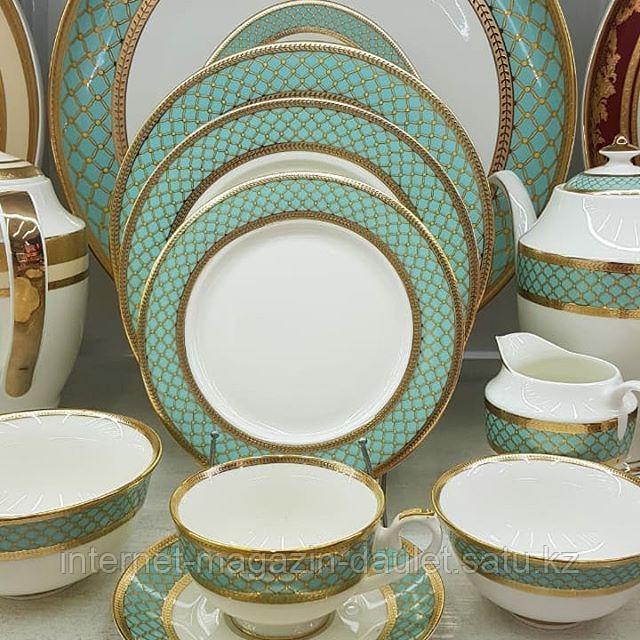 Чайно - столовый сервиз на 12 персон