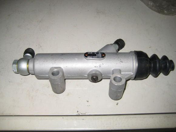 Рабочий цилиндр сцепления автокран QY25K