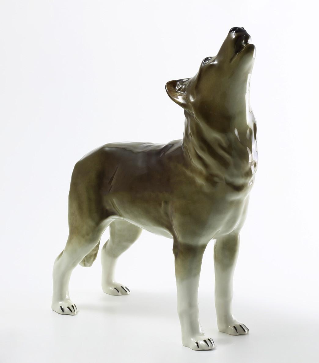 Фарфоровая скульптура Волк стоящий. Императорский фарфор
