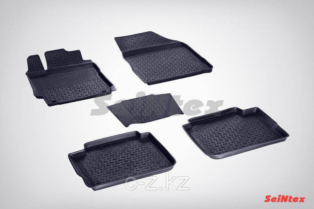 Резиновые коврики с высоким бортом для Renault Duster 2011-н.в..