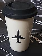 Кружка с силиконовой крышкой и изображением самолета, белый/черный цвет
