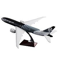 Модель самолета Boeing 777 в ливрее Air New Zealand, масштаб 1/135