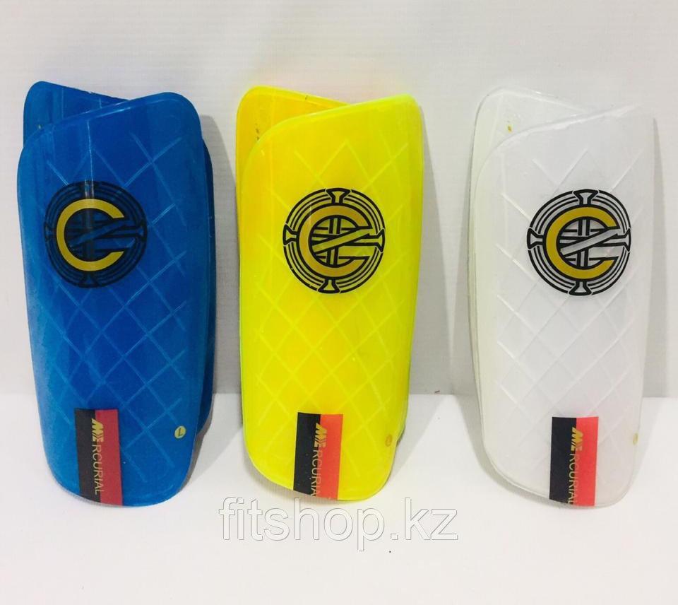 Щитки футбольные с резинкой