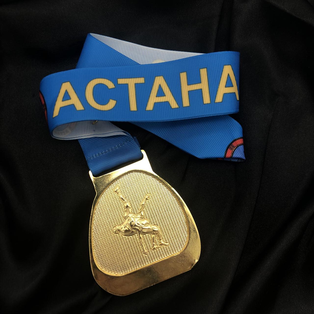 Спортивные медали с лентой