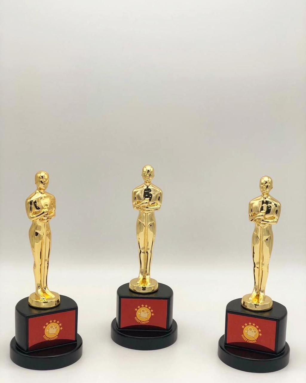 Награда из металла «Oscar»