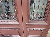 Дверь на заказ со стеклом и ковкой в Алматы