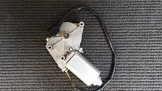 Мотор стеклоподъемника левый Ивеко
